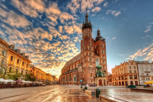 krakov-zgrada-olimpia-travel