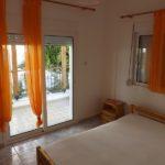 Apartmani Anemoxadi se nalaze na 100 m od plaže. U predivnom dvorištu. Svi apartmani su komforni i sastoje se od spavaće sobe i kuhinje