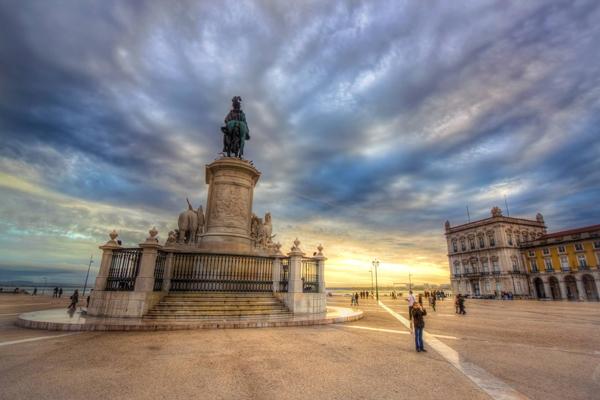lisabon-spomenik-olimpia-travel